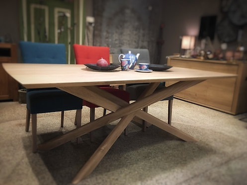 Table en chêne Ethnicraft Mikado
