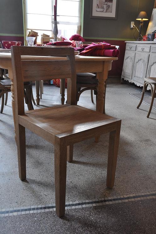 Deux chaises en chêne