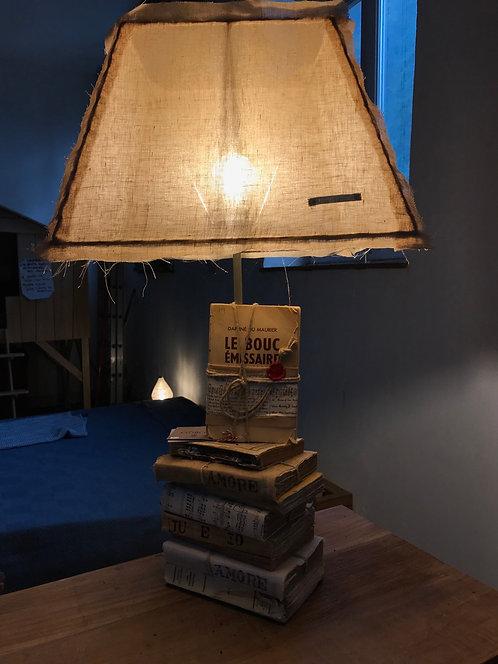 Lampe livres Borgo