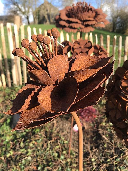 Fleur en métal A