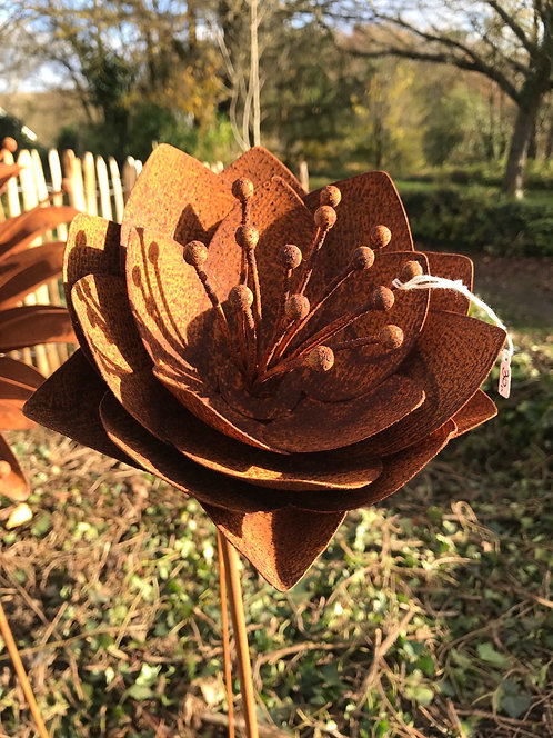 Fleur en métal L