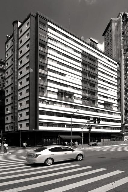 Edifício Esther, Álvaro Vital Brazil. Foto André Marques