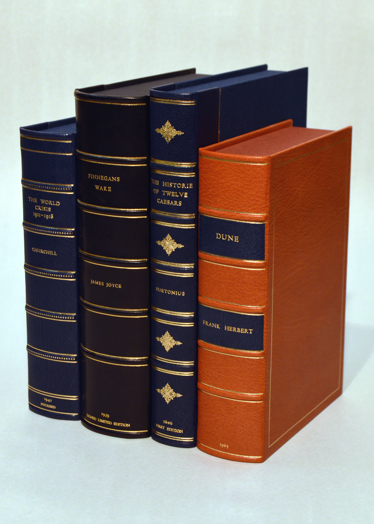 Rounded Spine Clamshell Boxes