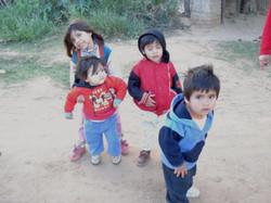 spielende Kinder auf der Straße