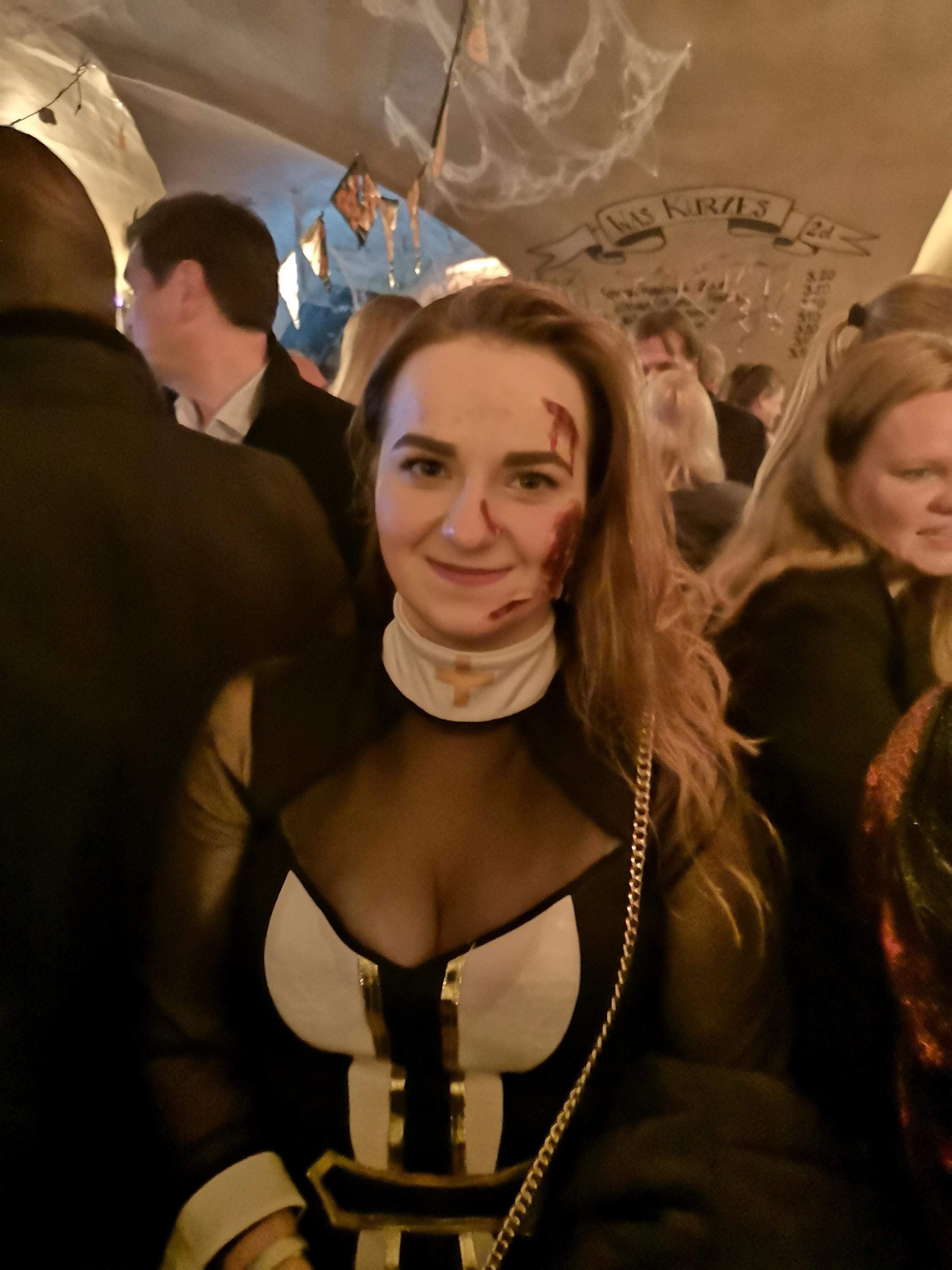 Die Nonne hats erwischt!
