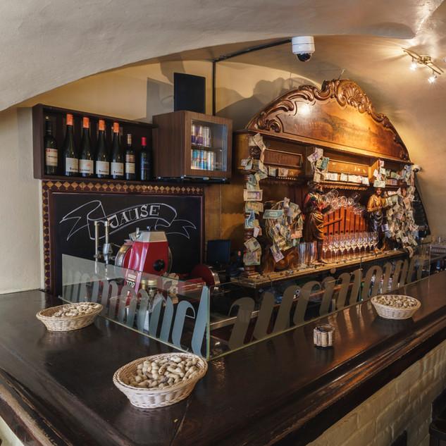 Die Bar.