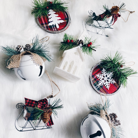 19 Christmas Decorations for $1