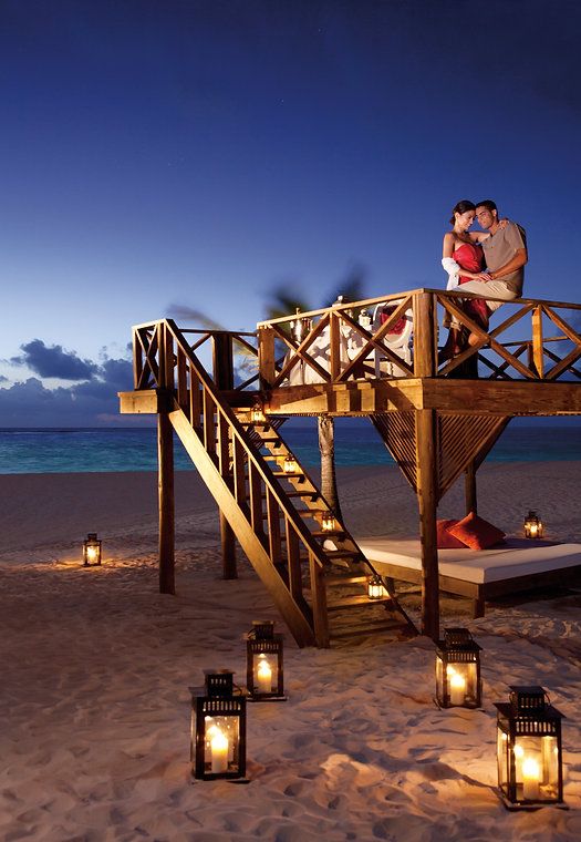 SERPC-RomanticDinner-Beach-1.jpg