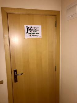 nuestra puerta... esperando a todos