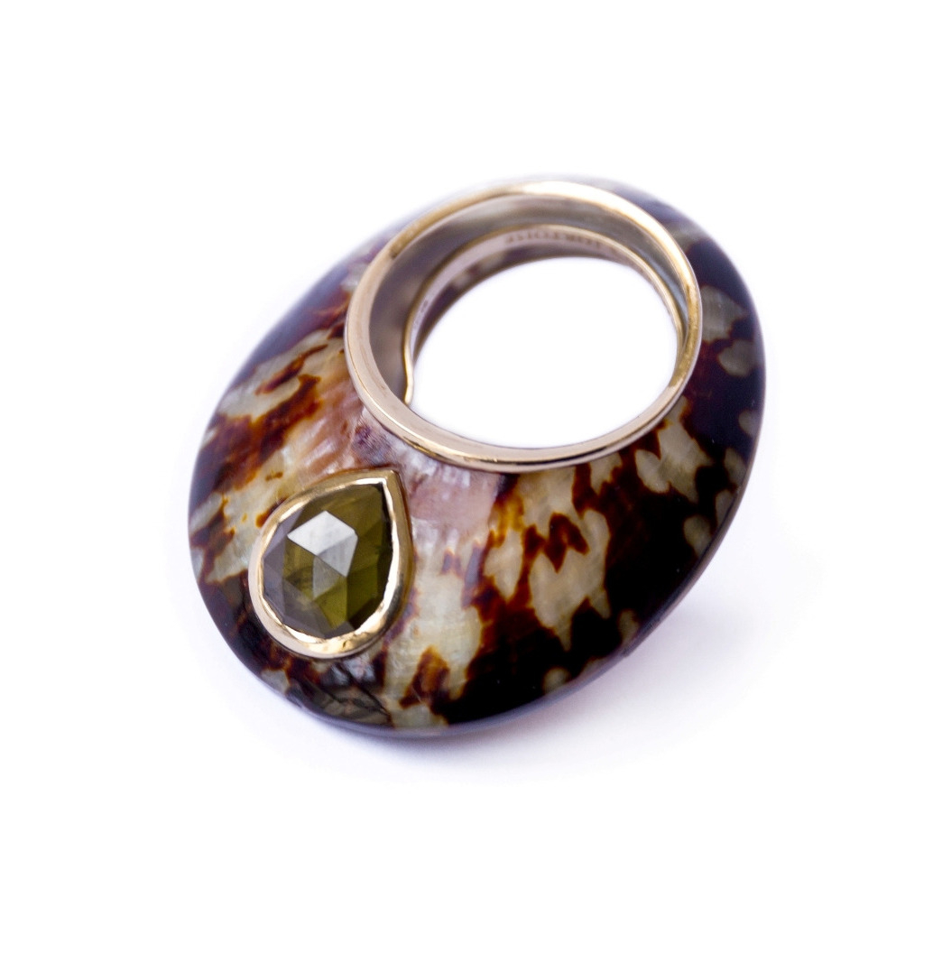 Smoky Tortoise ring - Garnet