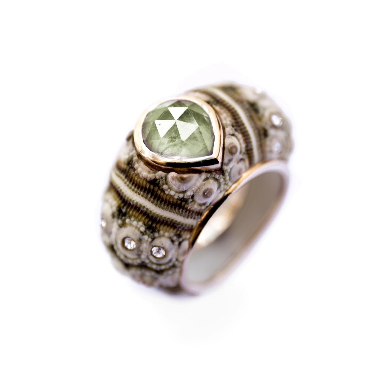 Moss Velvet Gem ring - Prehnite
