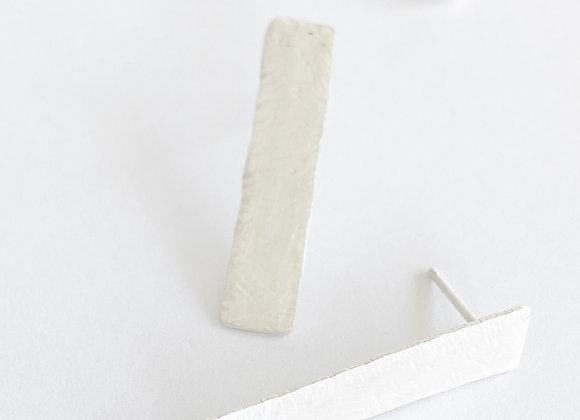 oorbellen . SILVER LINES . flat line . large/carved