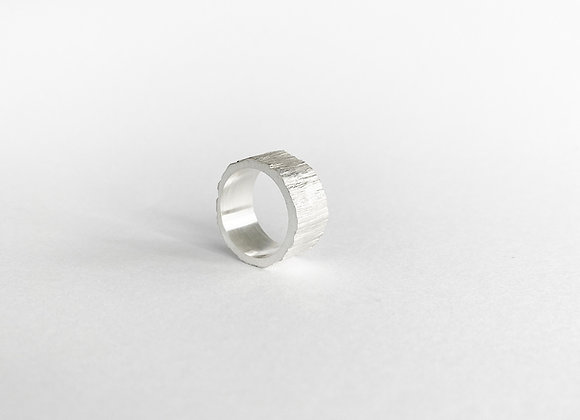 ring . SILVER WOOD . 54/7