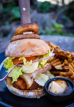 Chatto_Creek_Tavern_Burger.jpg