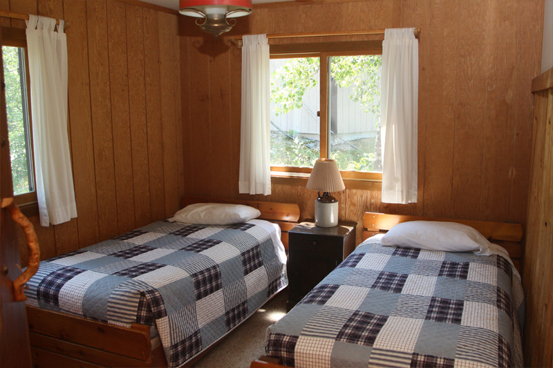 Rookery Cabin Single Beds