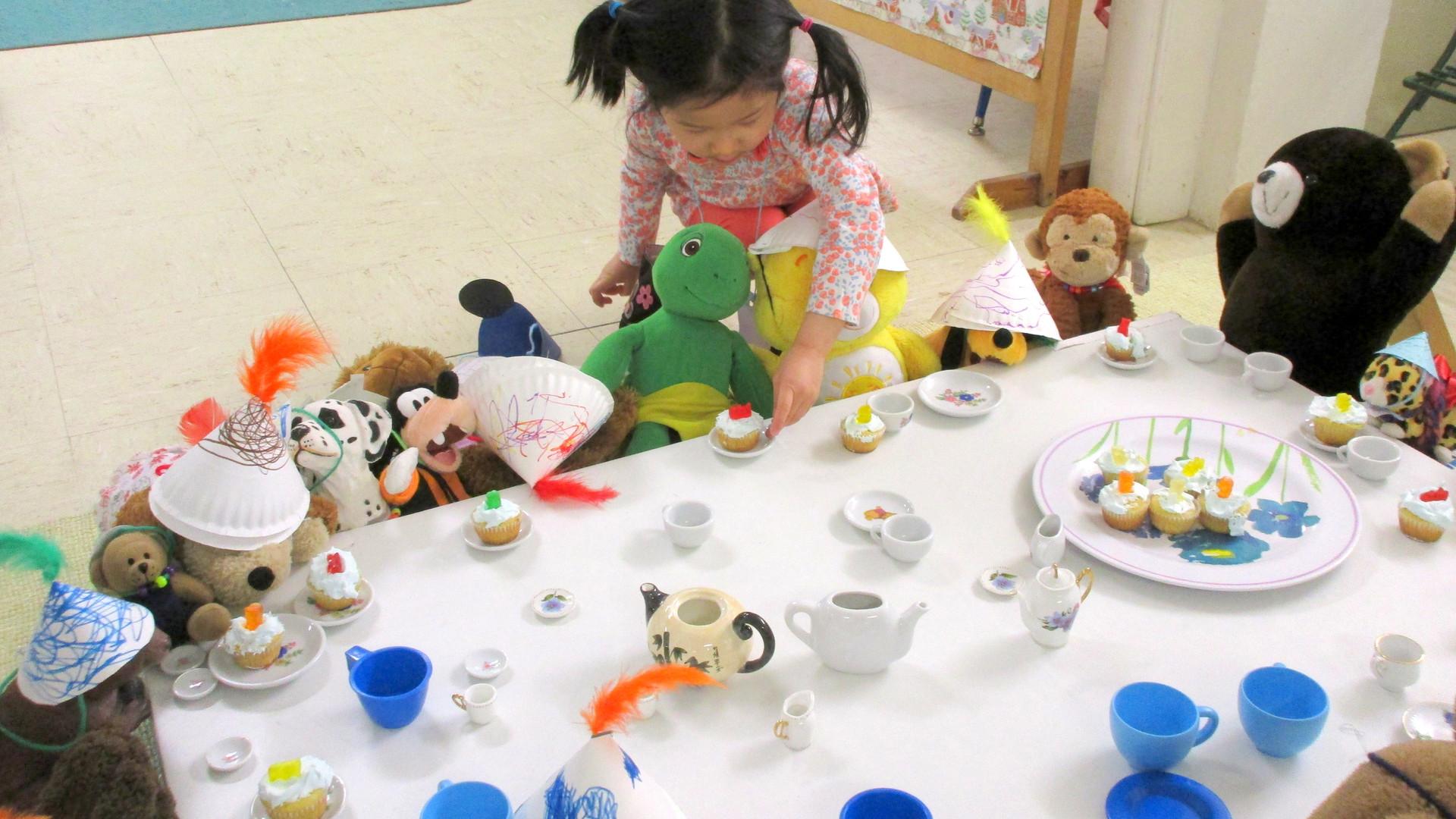 Edie, cupcake table.jpg