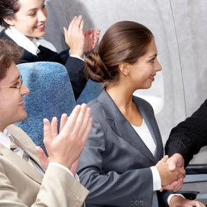 Can pilots hear when passengers applause?