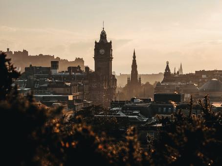 (POVOLJNI LETOVI) Povratne karte prema glavnom gradu Škotske već od 10 eura!