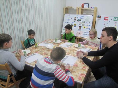 Как подготовить ребенка с РАС к посещению кафе?