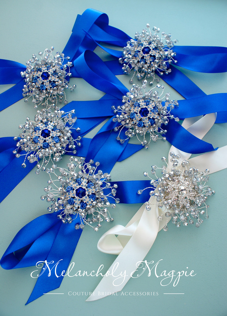 Set of wrist corsages