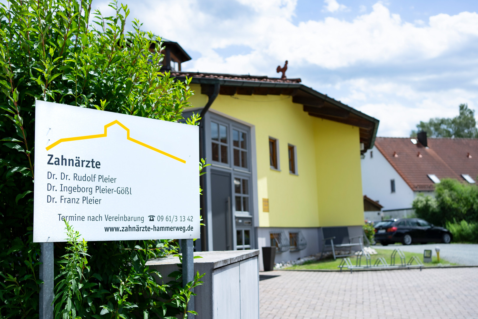 zahnarzt-hammerweg-weiden-in-der-oberpfalz-zahnarztpraxis-von-aussen