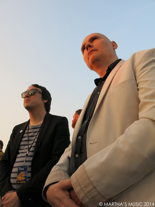 CHICAGO EATER: BILLY CORGAN CAN'T CHANGE THE WORLD WITH FOOD... BUT WITH TEA?