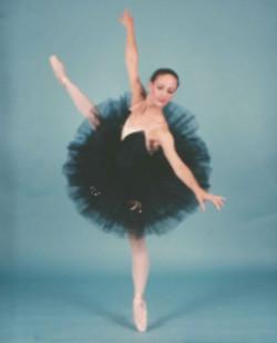 Stacey-BlackSwan-Ecarte