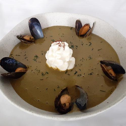 Soupe de moules et champignons de Paris au safran