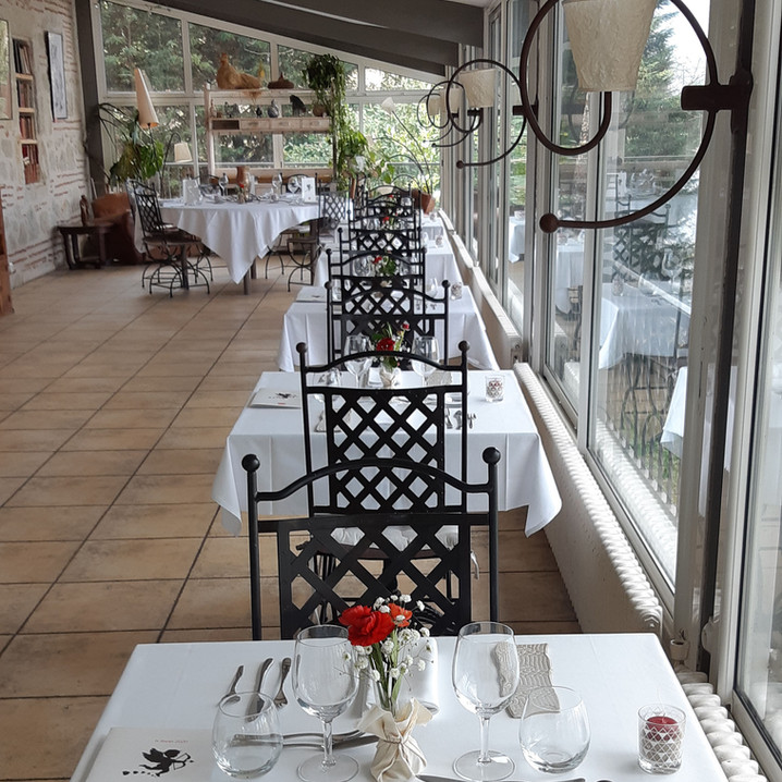 Salle de restaurant en véranda