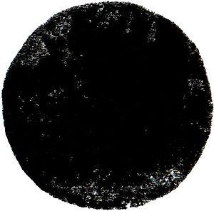 rond noir tourné