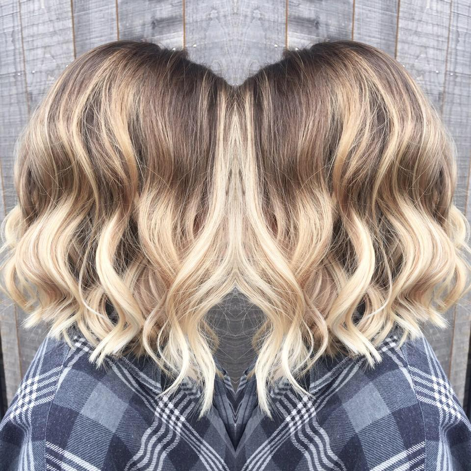 Coupe balayage blond polaire