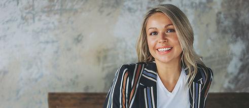 beautiful-smiling-blonde-businesswoman-w