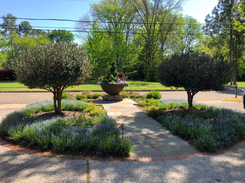 Sugar Kettle Landscape Planter View 5