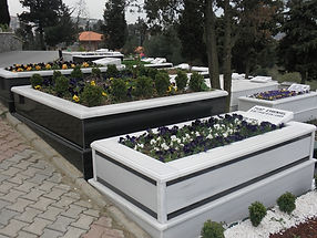 şeritli mezar
