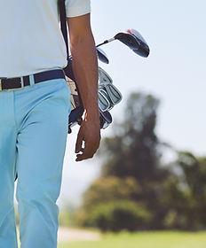 ゴルフプレーヤーのウォーキング
