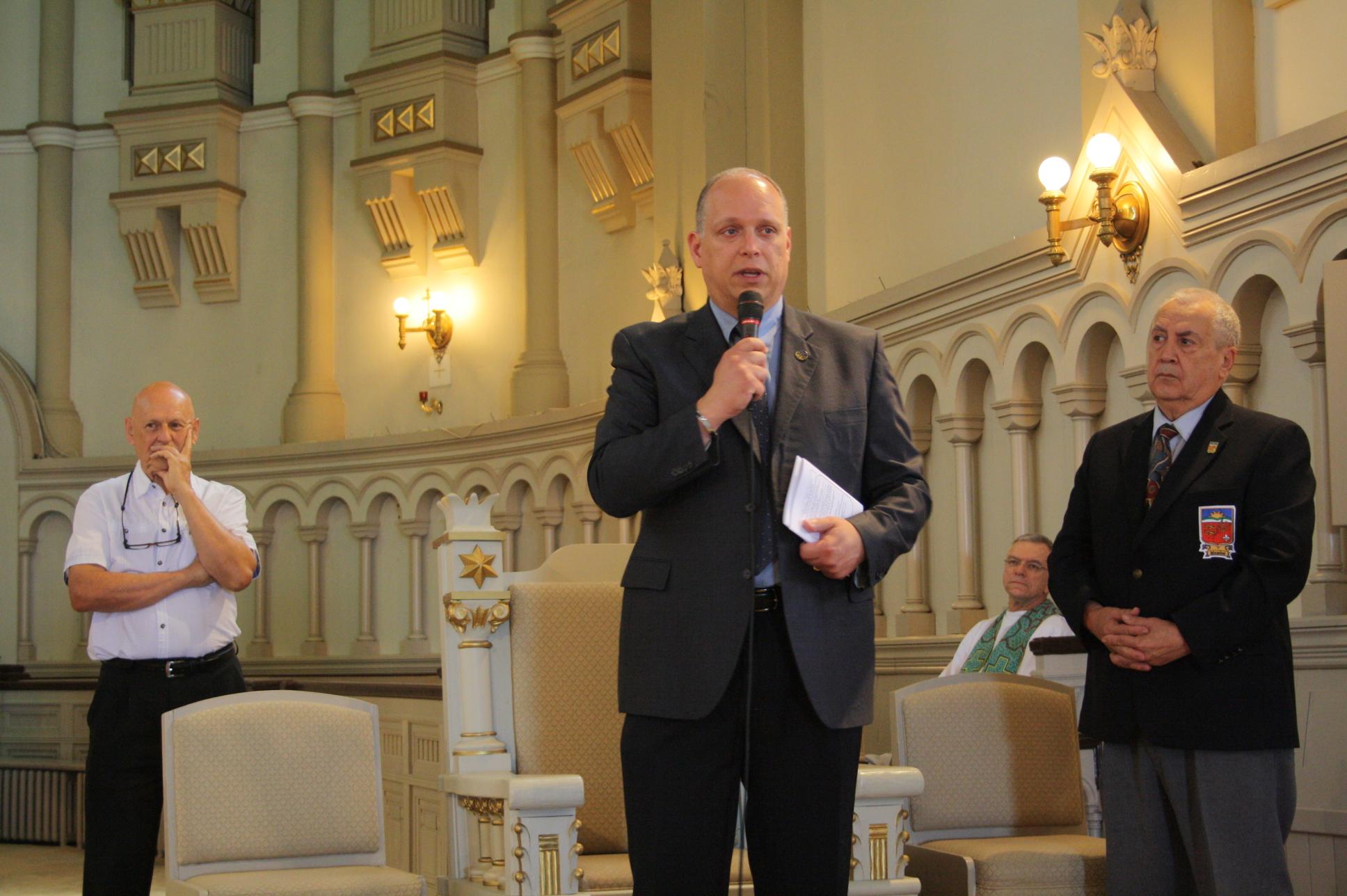 M. Stéphane Bergeron, député