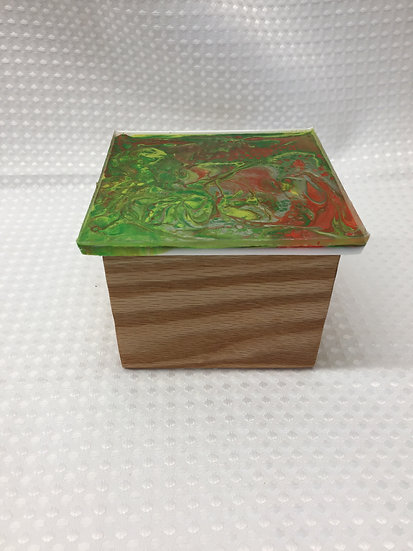 """Small Lift Lid Box """"Pour Paint Red/Green"""""""