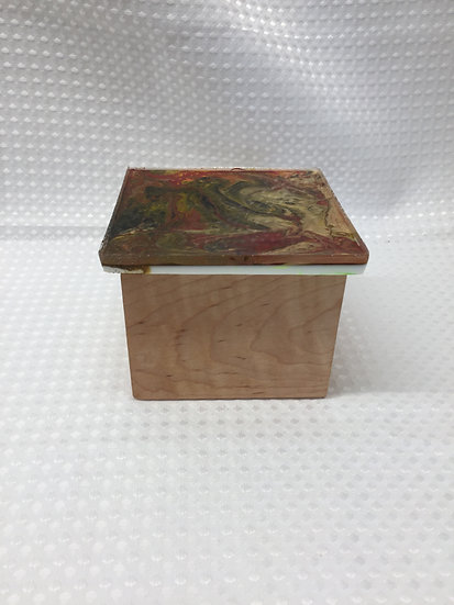 """Small Lift Lid Box """"Pour Paint Green/Red/Gold"""""""
