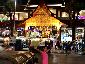 samantha sendor chiang mai thailand akyra manor