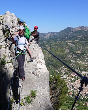 activite sport, via, rocher, buis les baronnies, residence***, camping***, fontaine annibal, drome, provence
