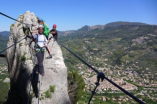 activite, sport, via, escalade, rando, trail, velo, residece***, camping***, fontaine annibal,  buis, baronnies, drome, provencale