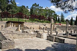 vaison la romaine, site, fouille, romain, cuture, patrimoine, residence***, camping***, drome provencale, la fontaine annibal