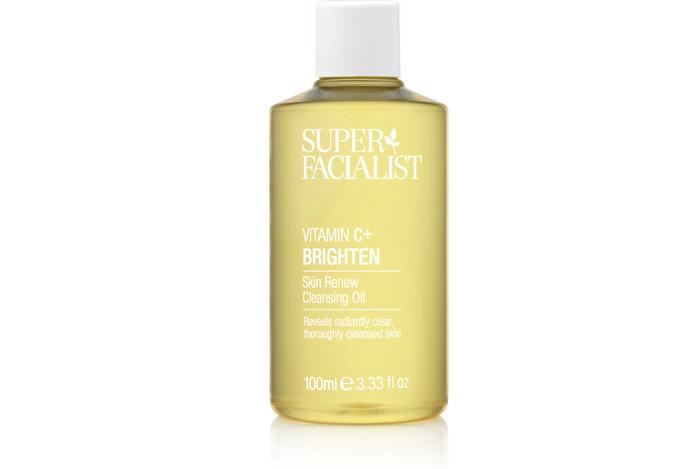 Super Facialist Vitamin C Skin Renew Cleansing Oil, 100ml. Travel Size, £5.50