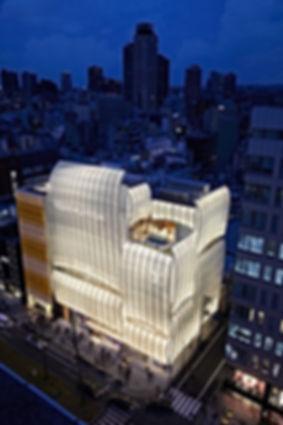 Louis-Vuittons-Osaka-maison—and-Le-Café-