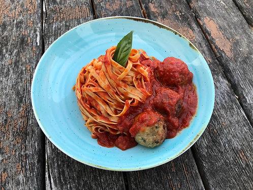 Tagliolini mit Meatball's (3Stk.) mit Sugo