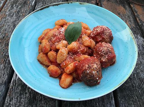 Gnocchi mit Meatball's (3Stk.) mit Sugo
