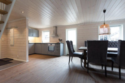 Åpen kjøkken og spiseplass