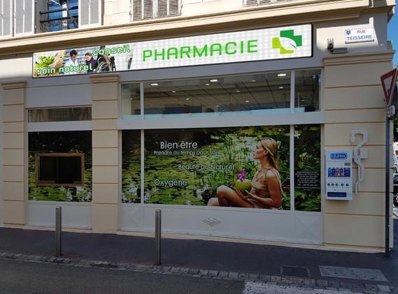 ecran pharmacie ext.jpg