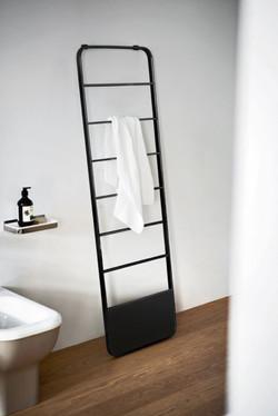 Memory heated towel rail