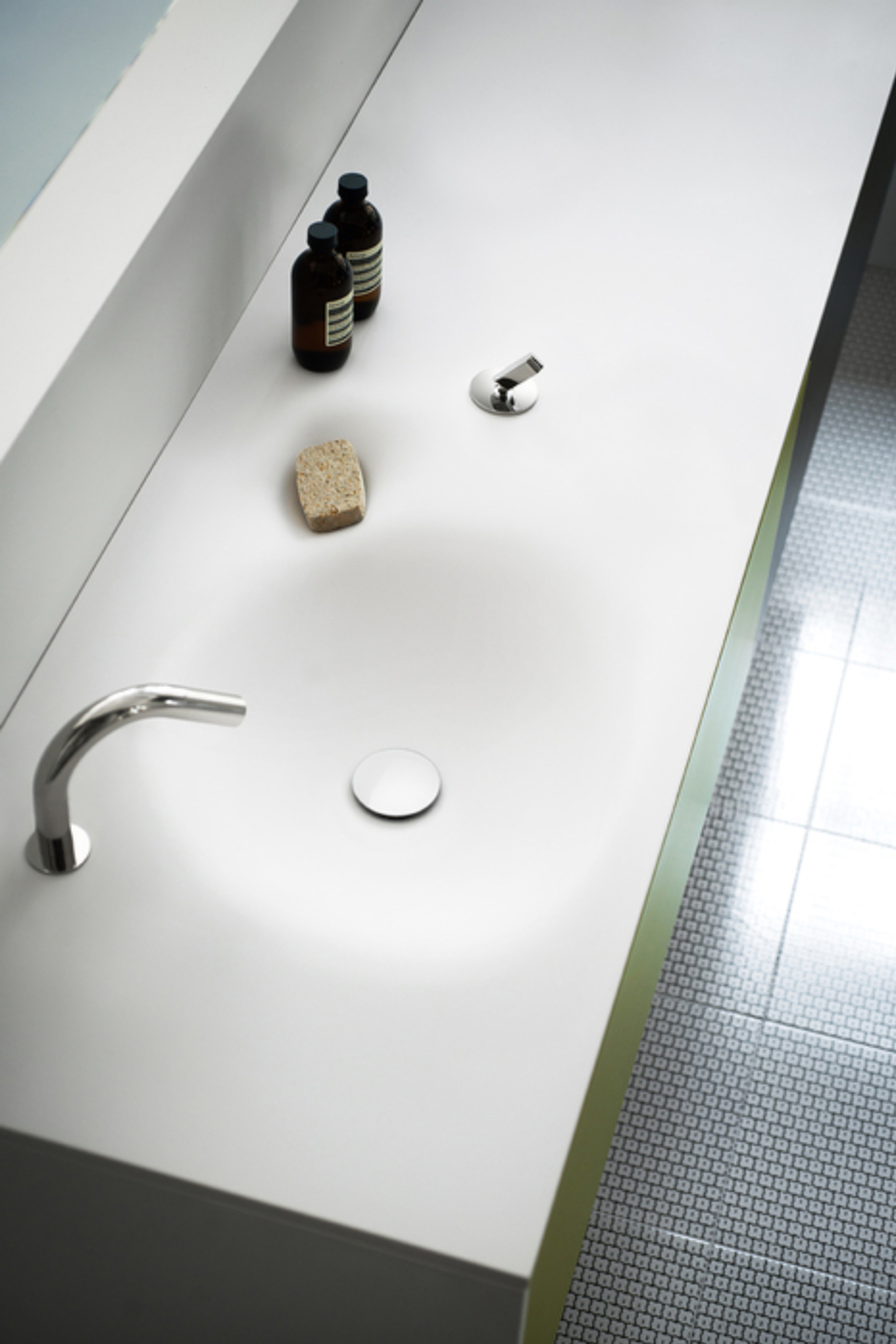 SQUARE(washbasin-tap-set)6